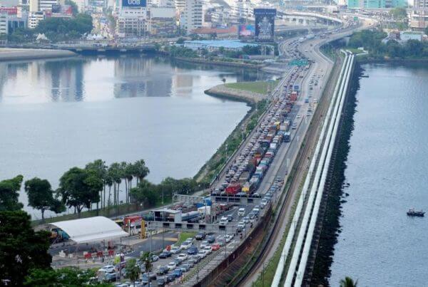 going into malaysia via causeway