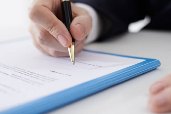 Car insurance claim signing contract